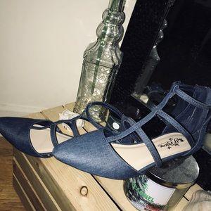Shoes - Blue jean flats